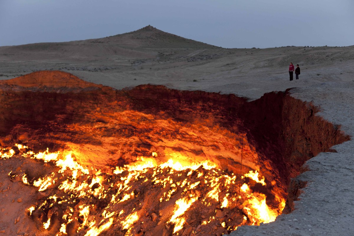 9 Staggering Pictures Of Turkmenistan's 'Door To Hell' Slide_355212_3894643_free