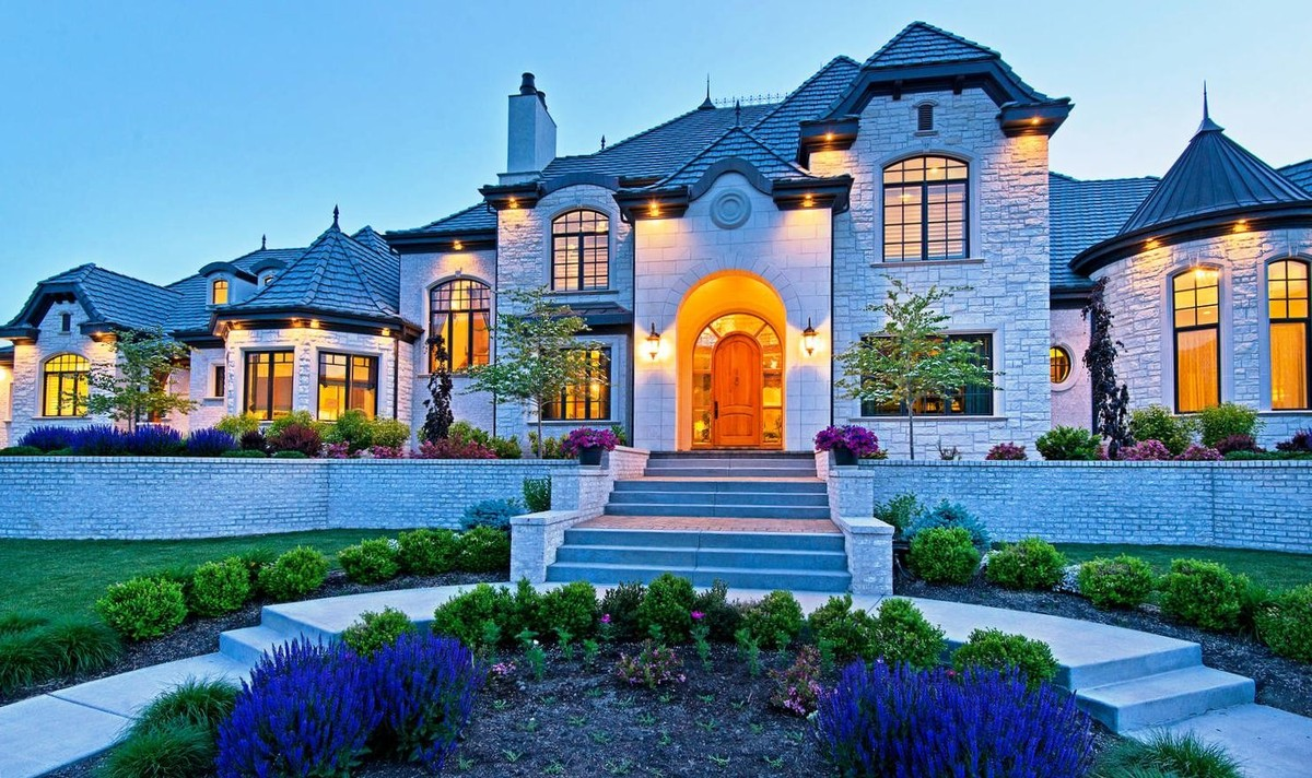 These 10 homes know how quality curb appeal is done photos huffpost - Las mansiones mas bonitas del mundo ...