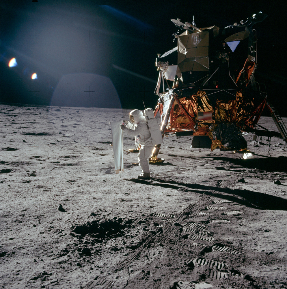 1969 Moon Landing Conspiracy - Pics about space