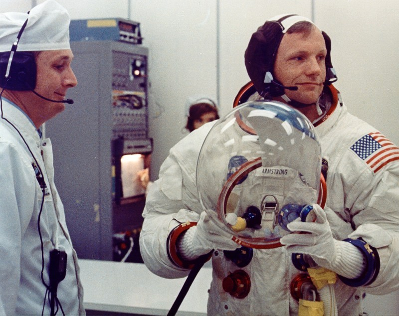 Crowdfunding Raises $720,000 to Restore Neil Armstrong's ... |Neil Armstrong Suit Badge