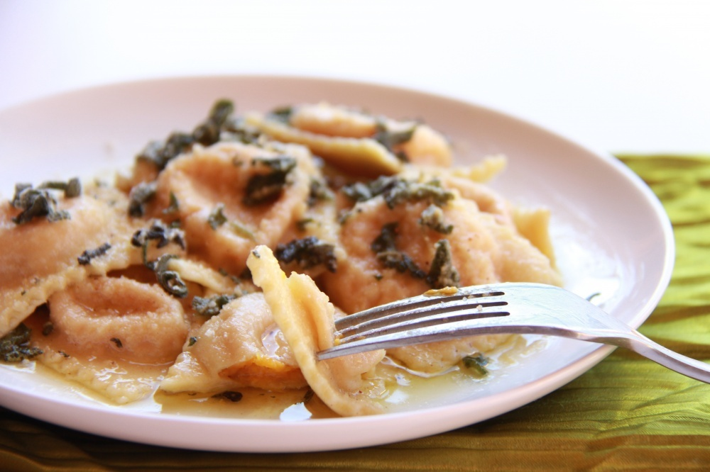 ravioli pea and parmesan wonton ravioli shiitake and arugula ravioli ...