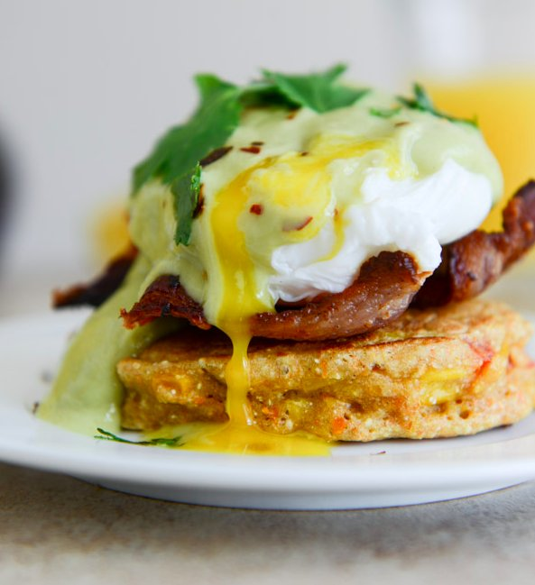 how to order eggs benedict
