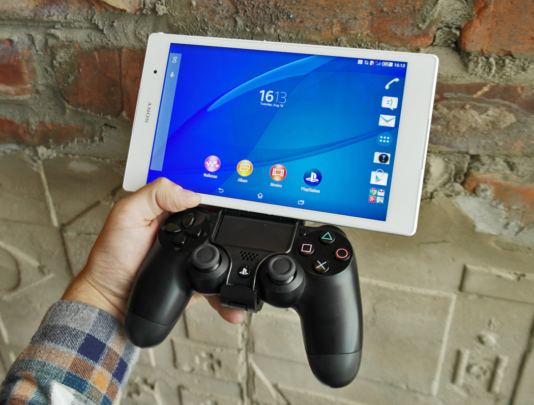 sony unveils powerful xperia z3 smartphones z3 tablet and smartwatch 3 huffpost uk
