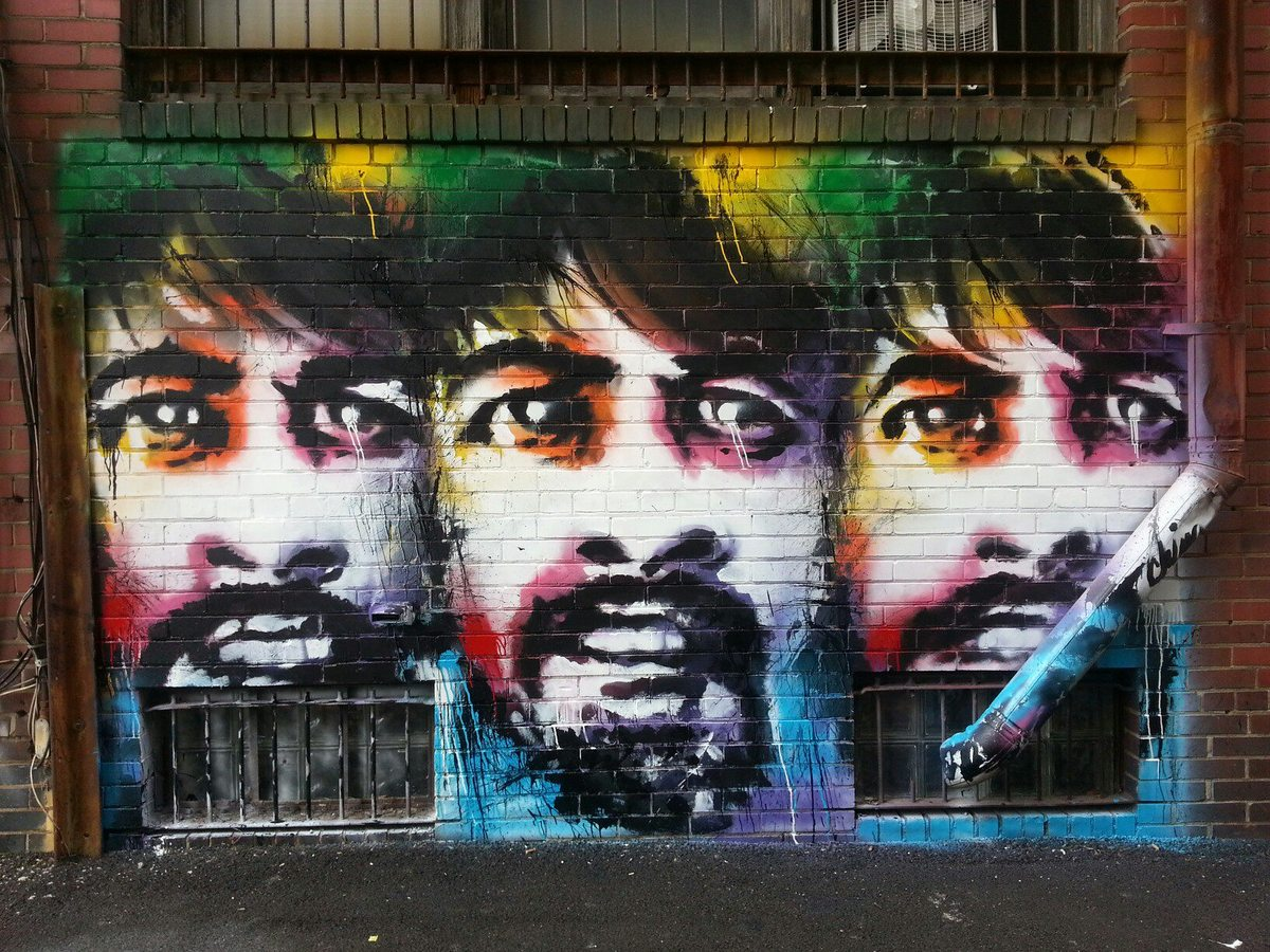 Zayn malik graffiti wall - 20 Reasons Why Dave Grohl Is The Coolest Dude In Music