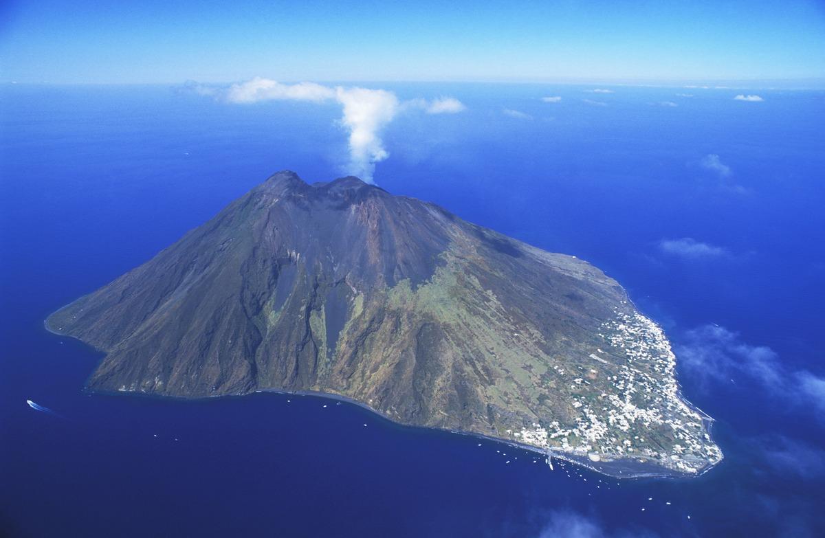Le 10 Isole Più Belle Del Mondo Pictures To Pin On Pinterest #0F6FBC 1200 783 Lavelli Cucina Di Piccole Dimensioni