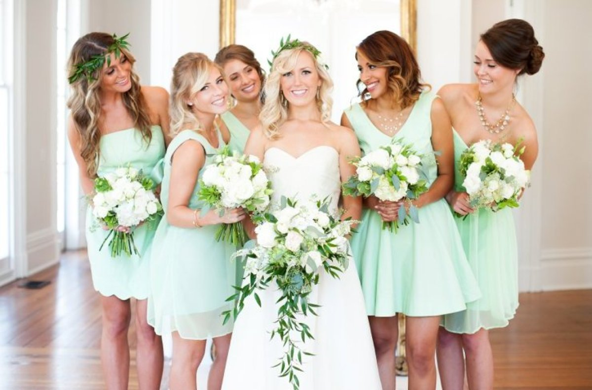 Wedding Flowers To Go With Green Dresses : Pantone s spring colors for are here