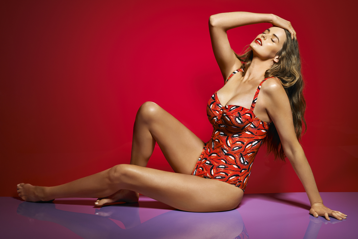 Images Robyn Lawley Sizzles As Sports Illustrated Swimsuit Issue