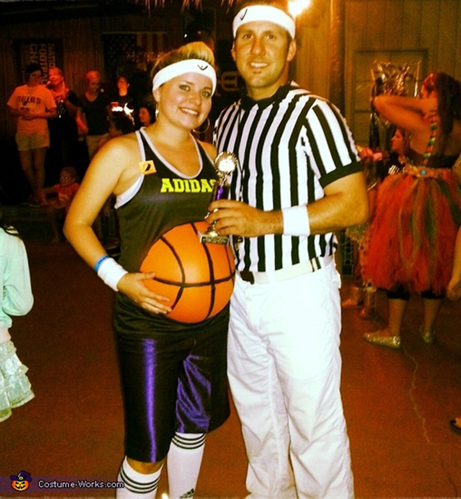 via costume works - Pregnant Halloween Couples Costumes