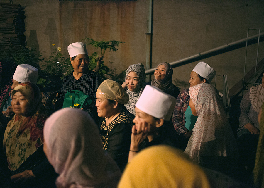 tranquility muslim girl personals Considering that there are over 125 billion muslims in the muslim world, there is no single way for all muslim weddings to be held there are 49 muslim majority countries and each contains many regional and cultural differences.