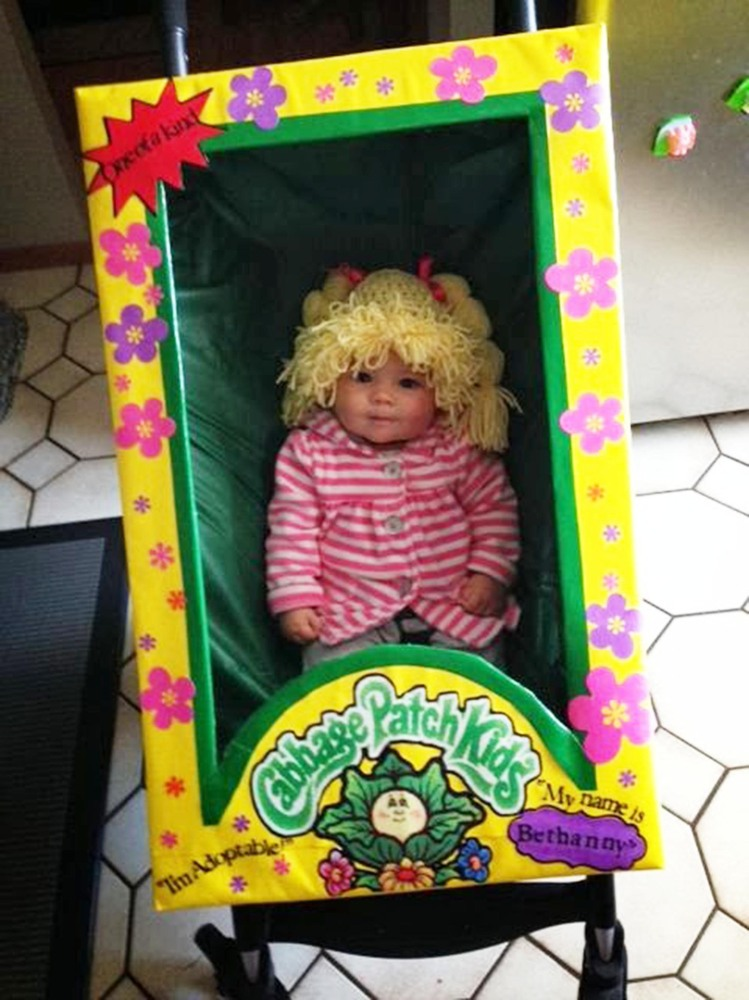 Halloween Costumes For Twins That Will Win You Over  Twice   HuffPost. Halloween Costumes Bath Uk. Home Design Ideas