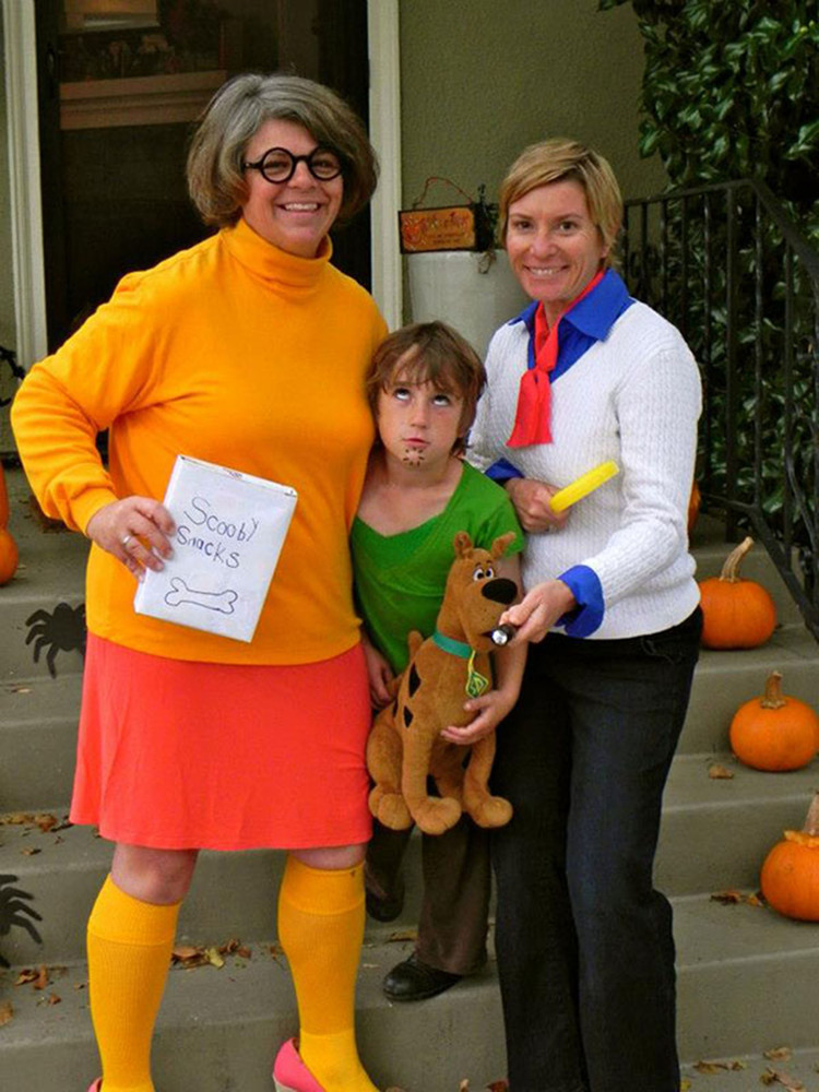 Family halloween costumes that prove dressing up is not just child s