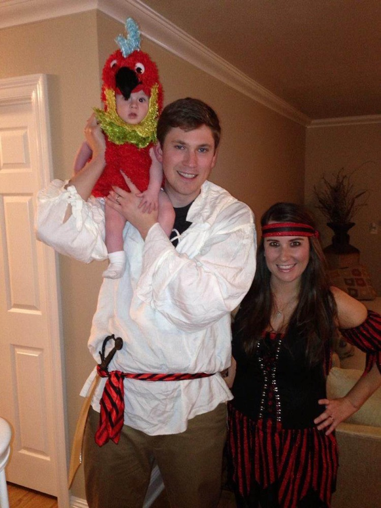 family halloween costumes that prove dressing up is not just childs play huffpost - Baby And Family Halloween Costumes