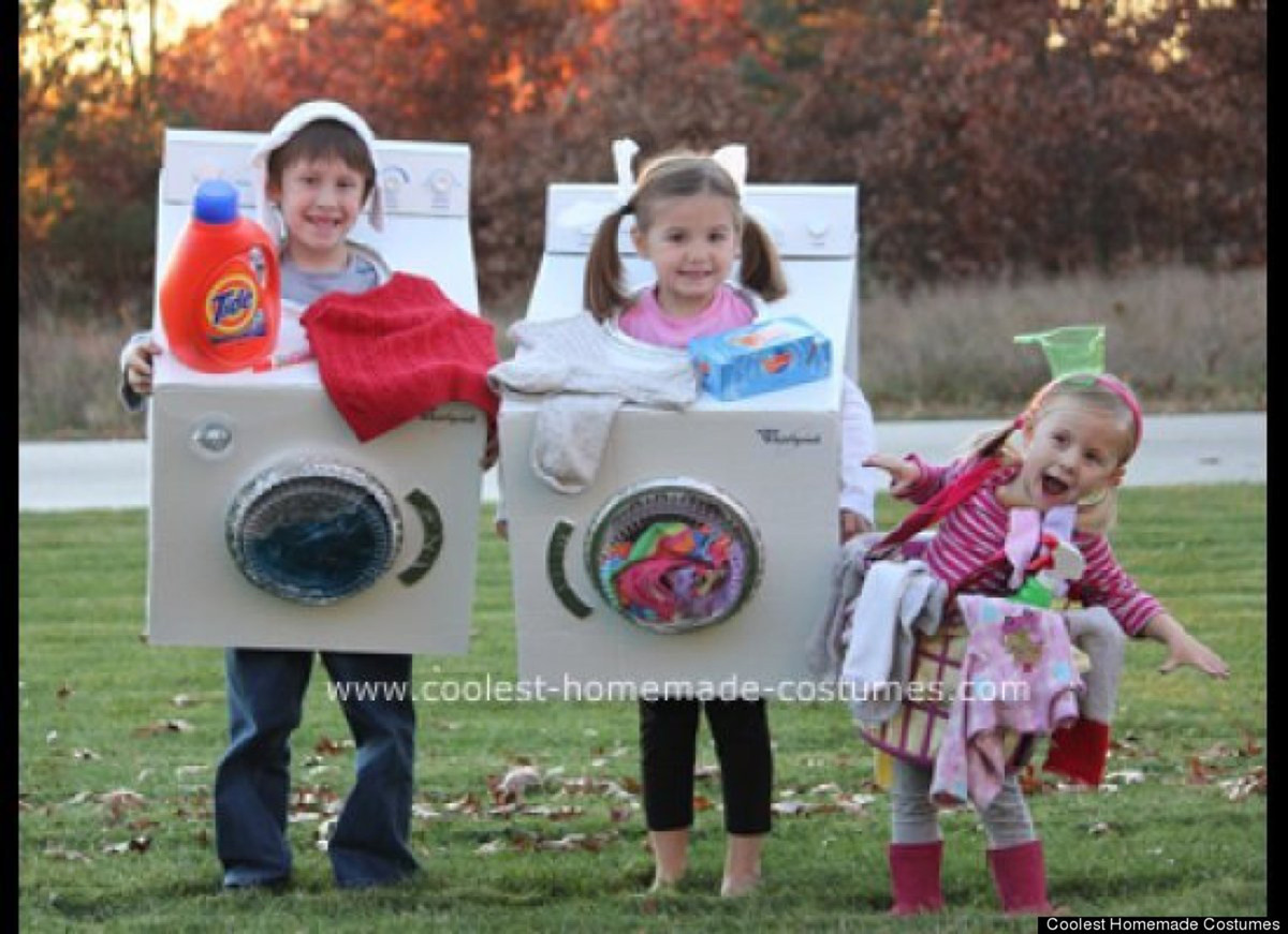 Family halloween costumes that prove dressing up is not for Easy homemade costume ideas for kids