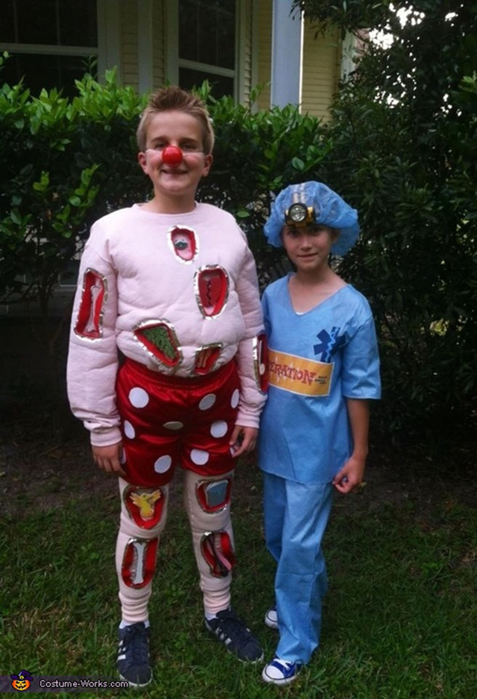 halloween costumes for siblings that are cute creepy and supremely clever huffpost - Halloween Ideas For Siblings