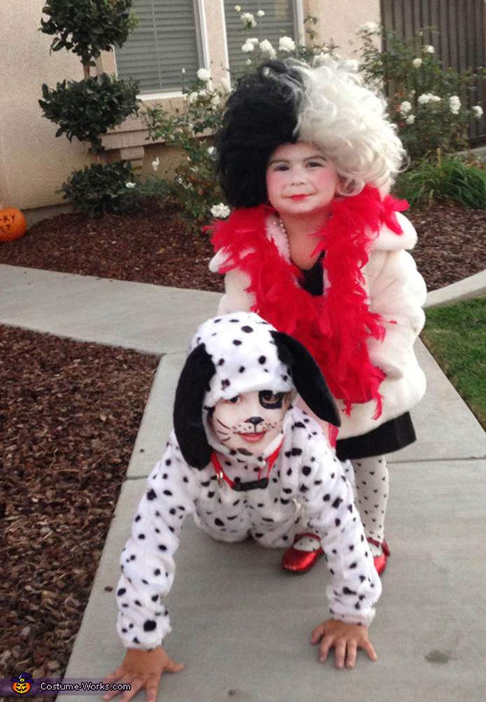halloween costumes for siblings that are cute creepy and supremely clever huffpost - Cruella Deville Halloween Costume Ideas