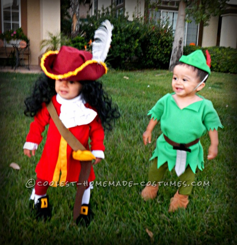 Halloween Costumes For Twins That Will Win You Over Twice  sc 1 st  sittingdownfordinner.com & Best Design Of Twin Girl Halloween Costumes - Best Home Design Ideas ...
