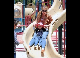 slide 37732 317616 small PHOTO: Owen Wilson, Son Hit The Playground