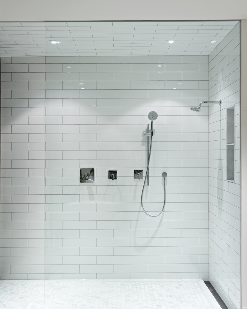 Choose A Clear Glass Shower Surround