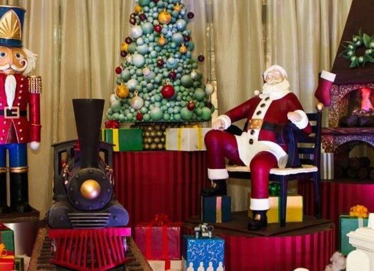 Disney hotel christmas decorations - Walt Disney World Swan And Dolphin Resort