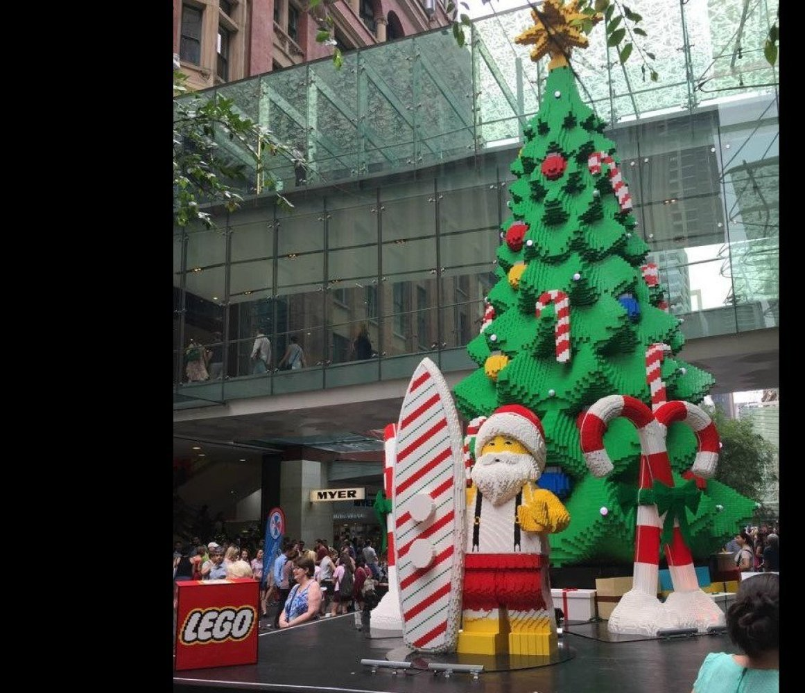 White Christmas Tree Decorations Australia: Top 10 Iconic Christmas Trees And Their Roots