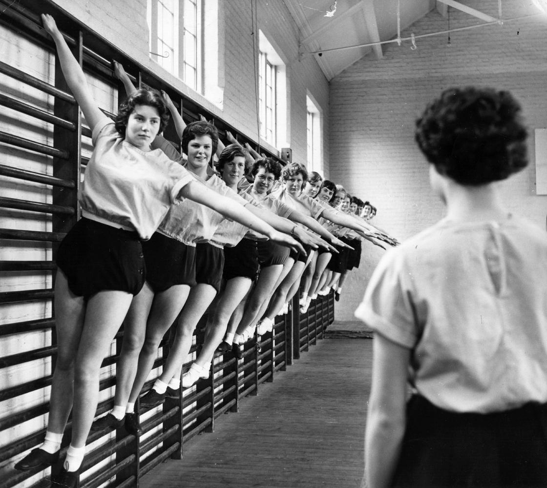 Фото ретро голых девочек 14 фотография