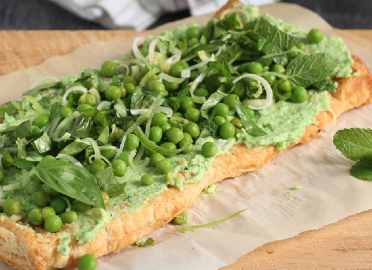 28 herby pea and ricotta tart