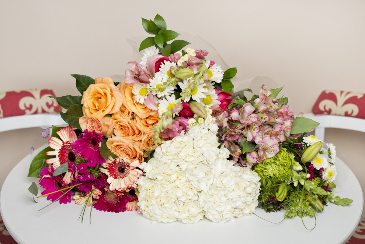 Tips To Keep Your Flowers Fresh A Little Longer