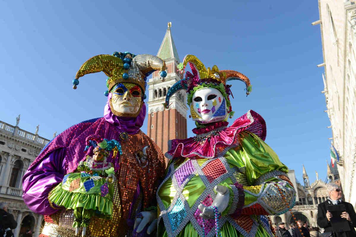 Inquietantes o bonitas las mejores fotos del carnaval de - Trajes de carnaval de epoca ...