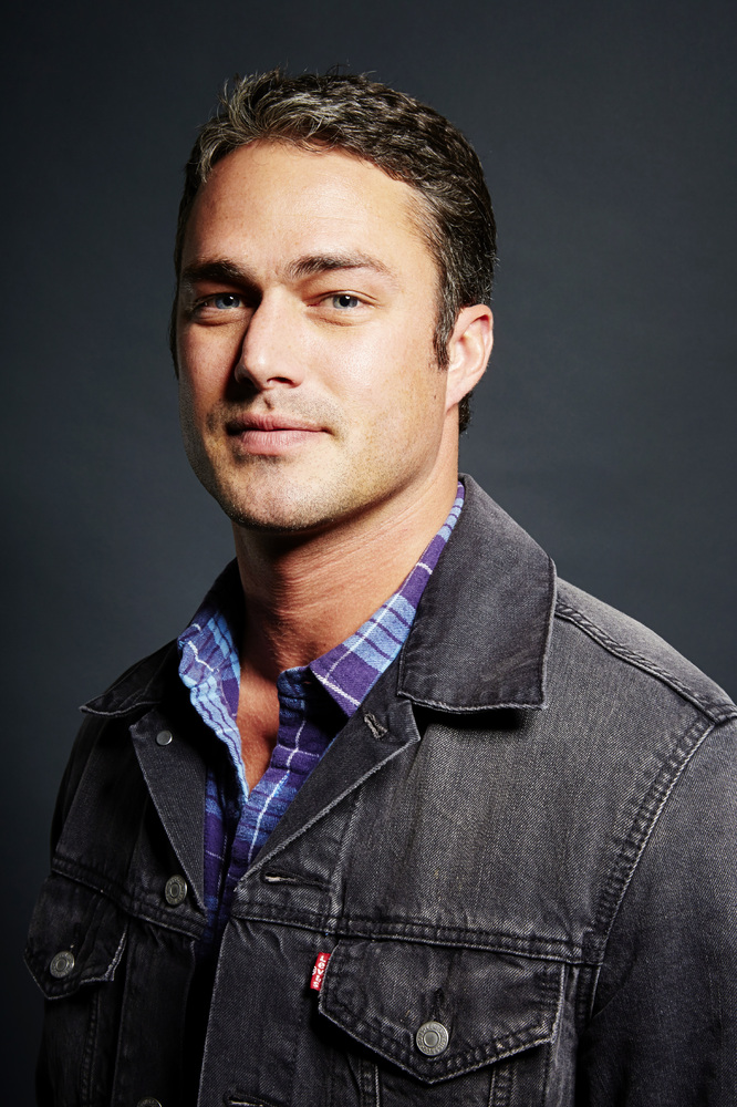Taylor Kinney: 9 Facts...