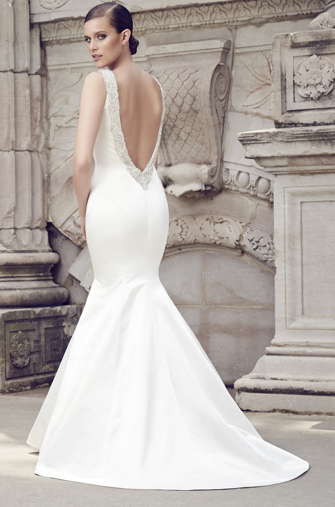 25 beautiful backless wedding dresses for any bride for Backless satin wedding dress