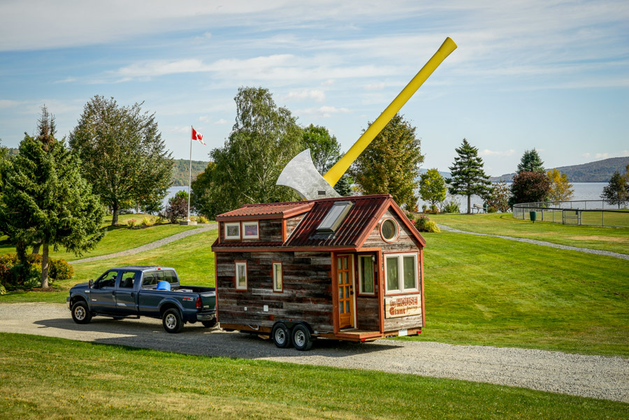 Couple Quits Day Jobs, Builds Quaint, Tiny Home On Wheels To