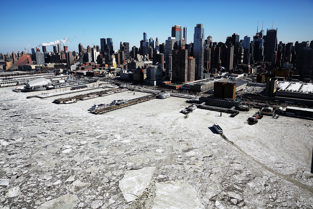 New York Weather Leaves Manhattan As A Frozen Hellscape (PICTURES ...