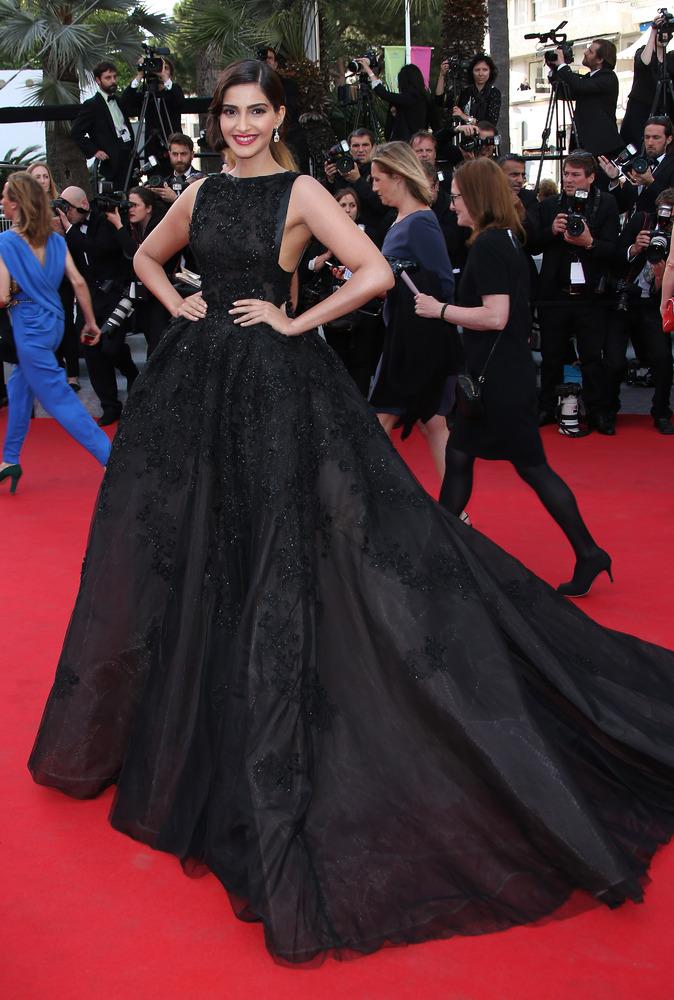 Showbiz Cinderellas Jennifer Lopez Sonam Kapoor Gown It
