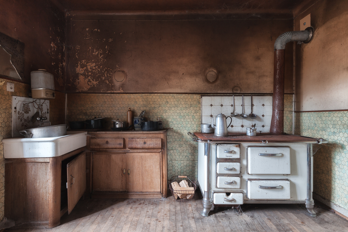 Author Seeks Out Creepy Abandoned Homes For Inspiration