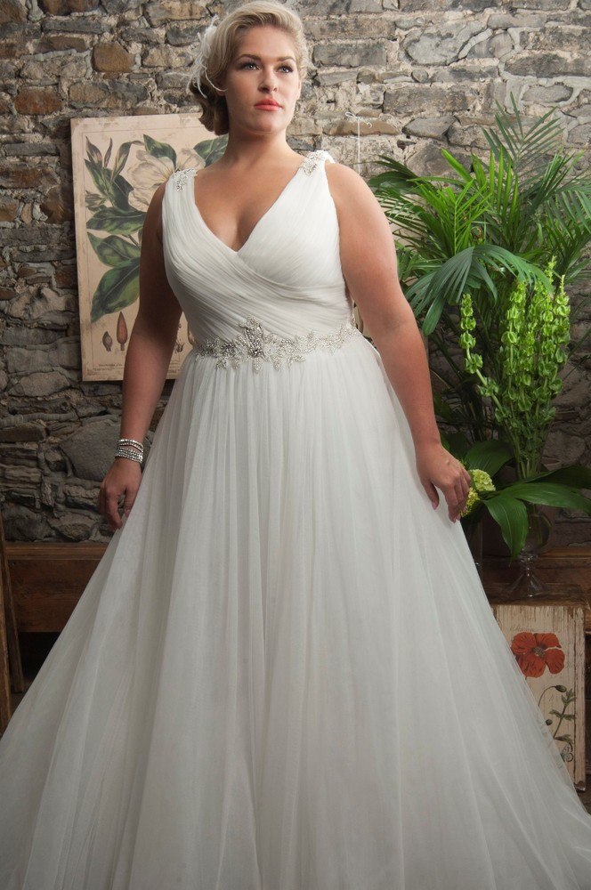 Plus size wedding dresses that are absolutely gorgeous for Empire waist plus size wedding dress