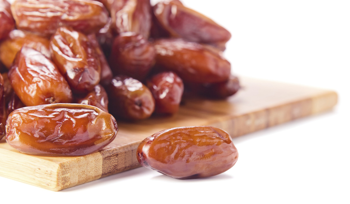 What do dates grow on
