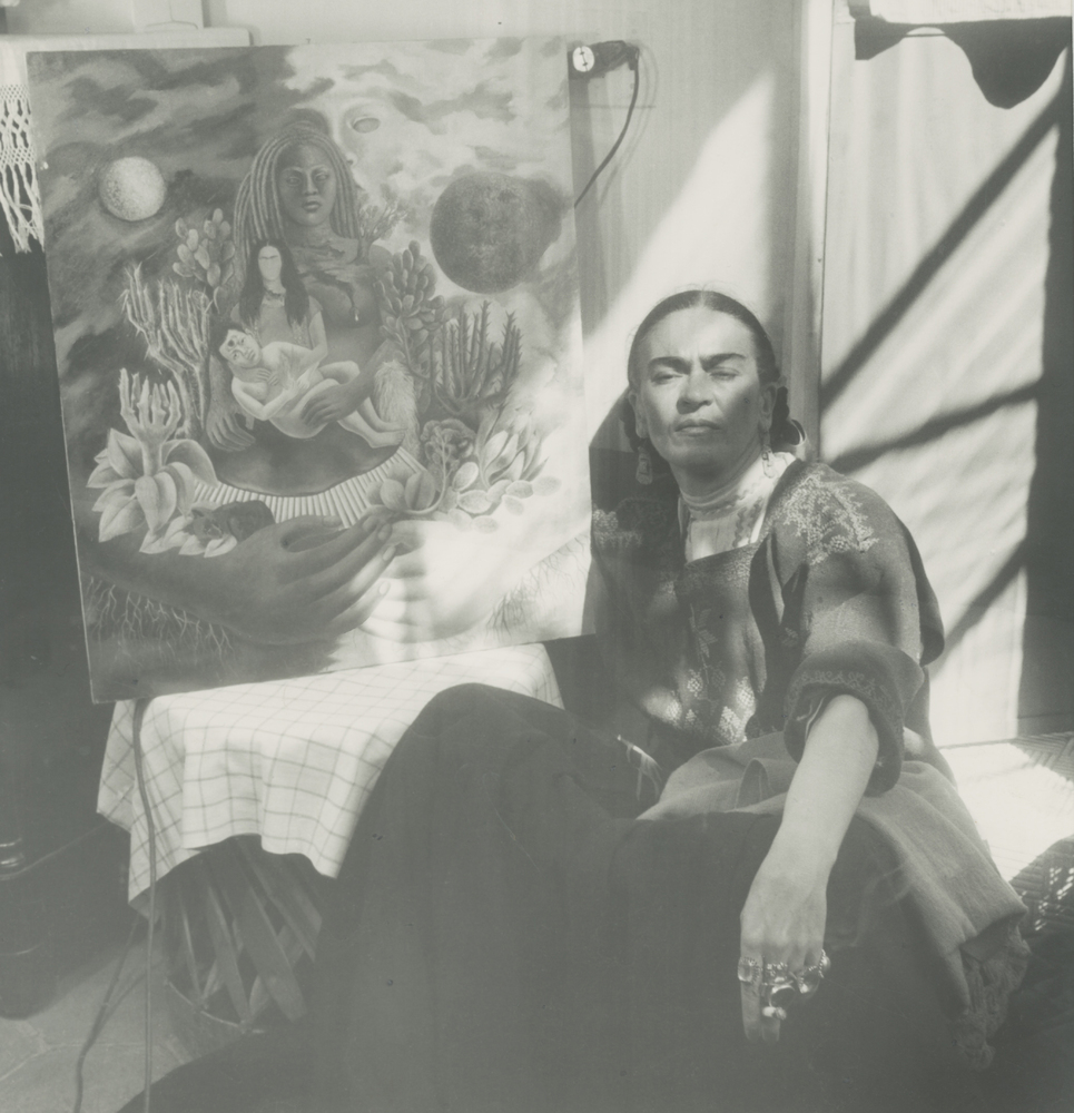enchanting vintage photographs of frida kahlo perfectly capture the surrealist queen huffpost. Black Bedroom Furniture Sets. Home Design Ideas