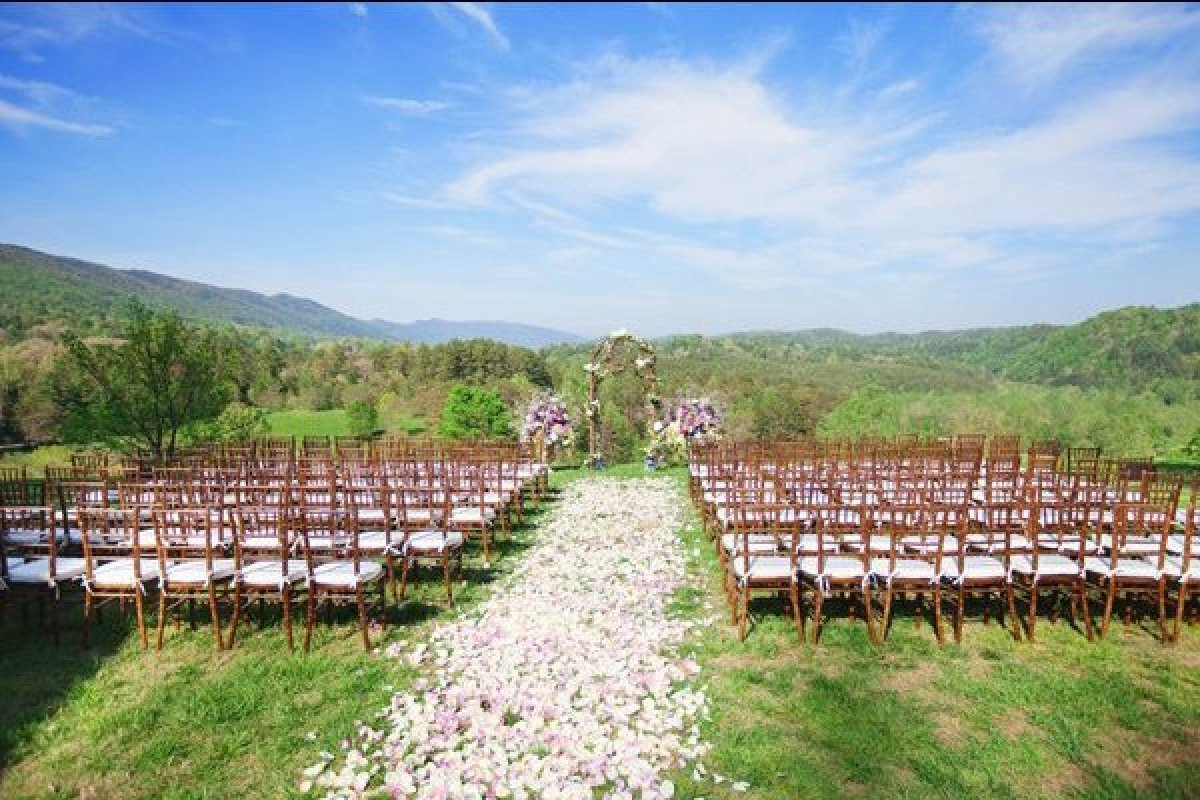 view download images  Images 100 Beautiful Outdoor Spaces For The Wedding Ceremony Of Your Dreams | HuffPost
