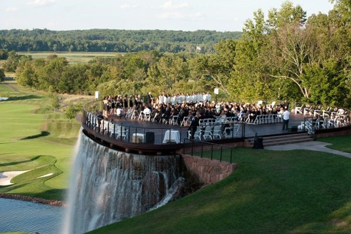 100 Beautiful Outdoor Spaces For The Wedding Ceremony Of Your Dreams ...