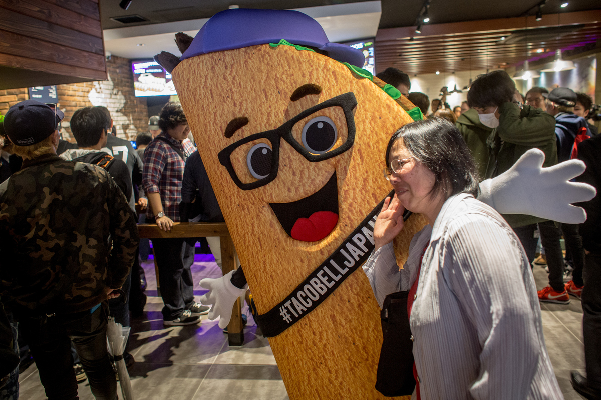 taco bell returns to japan after decades-long absence, people go