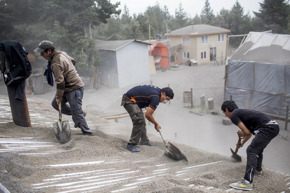 Photos Show Southern Chile Blanketed In Ash After Calbuco