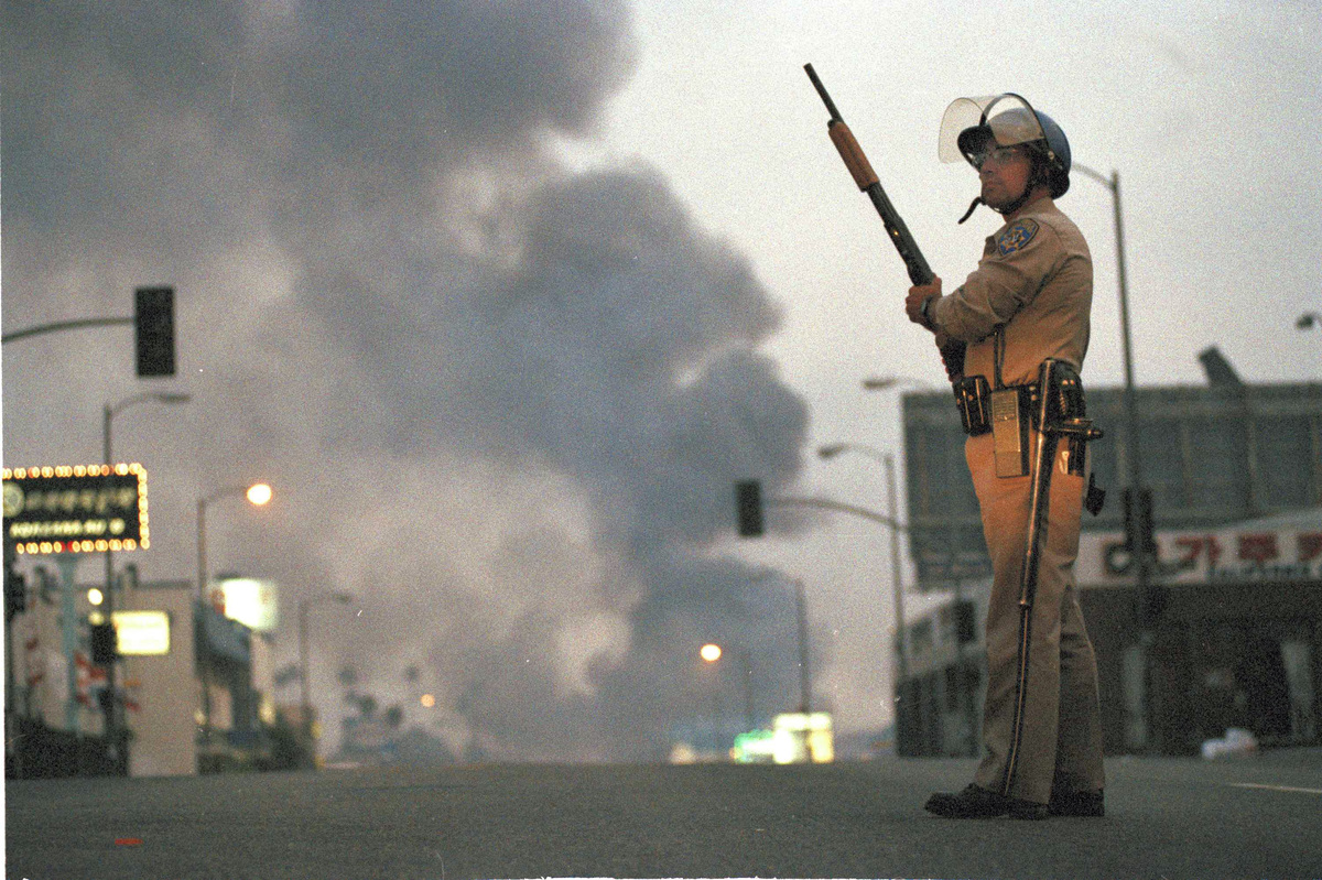 rodney king and the los angeles riots Video footage taken by george holliday of the march 1991 beating of rodney king by los angeles police [image via the blog of rights] then, in march 1991, television screens across the.