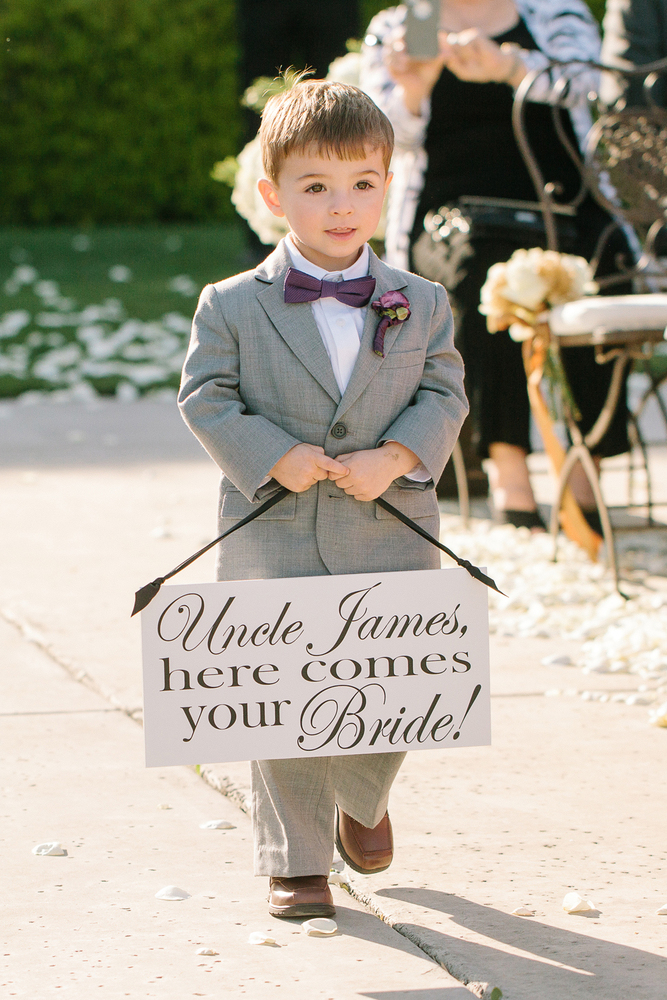 With name like Jasper George Galloway Dyer, this little boy deserved a role in the royal wedding! The five-year-old is the son of Amanda Kline and Captain Mark William Galloway Dyer, Prince.