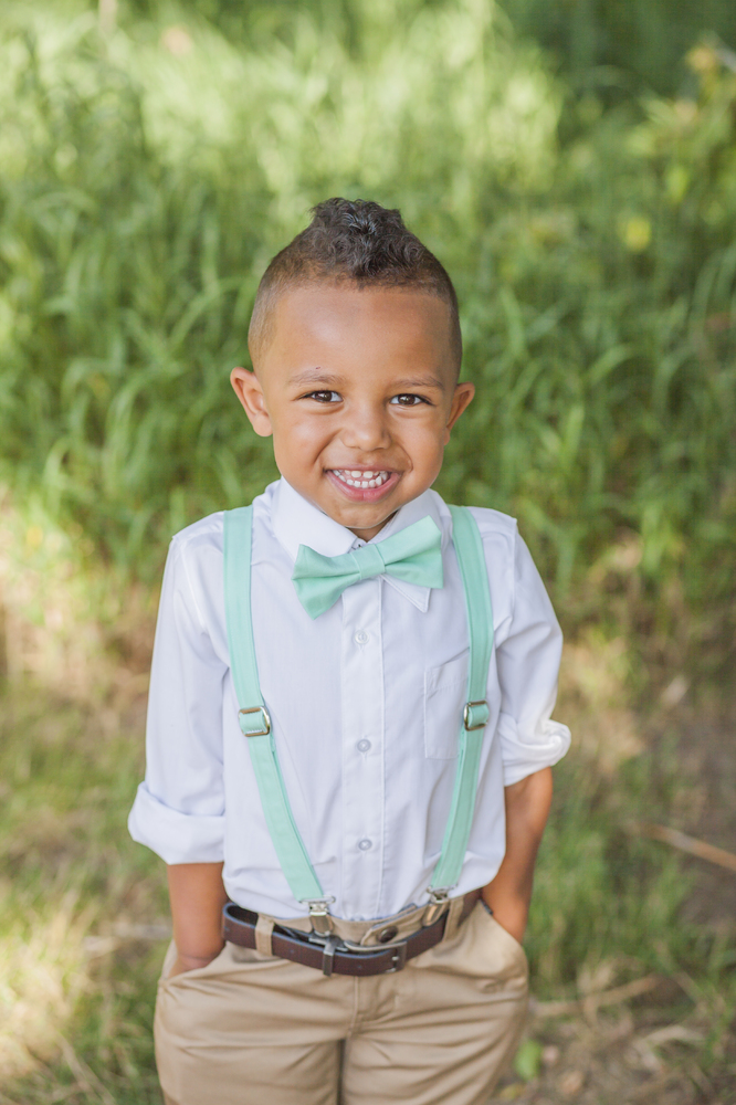 Product Description Bib featuring a ring is a cute idea for the ring bearer in your wedding.