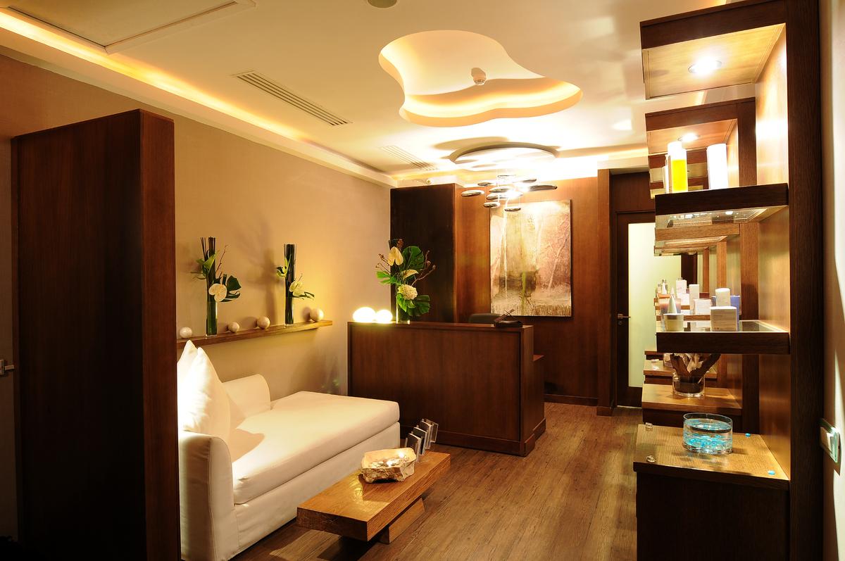 Salon moderne zen: tendance decoration peinture quelle couleur ...