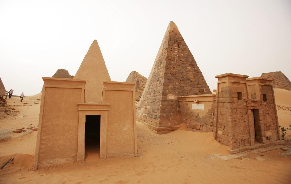 Οι άγνωστες πυραμίδες της πόλης Μερόε του Σουδάν