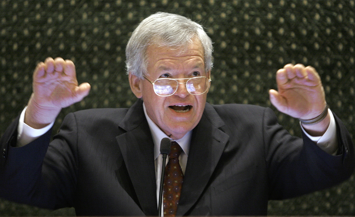 Barney frank dennis hastert s sexual misconduct scandal makes bill
