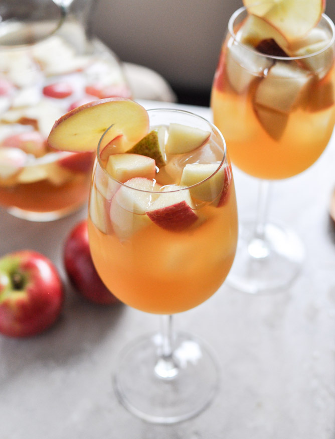 how to make sangria with fruit cocktail