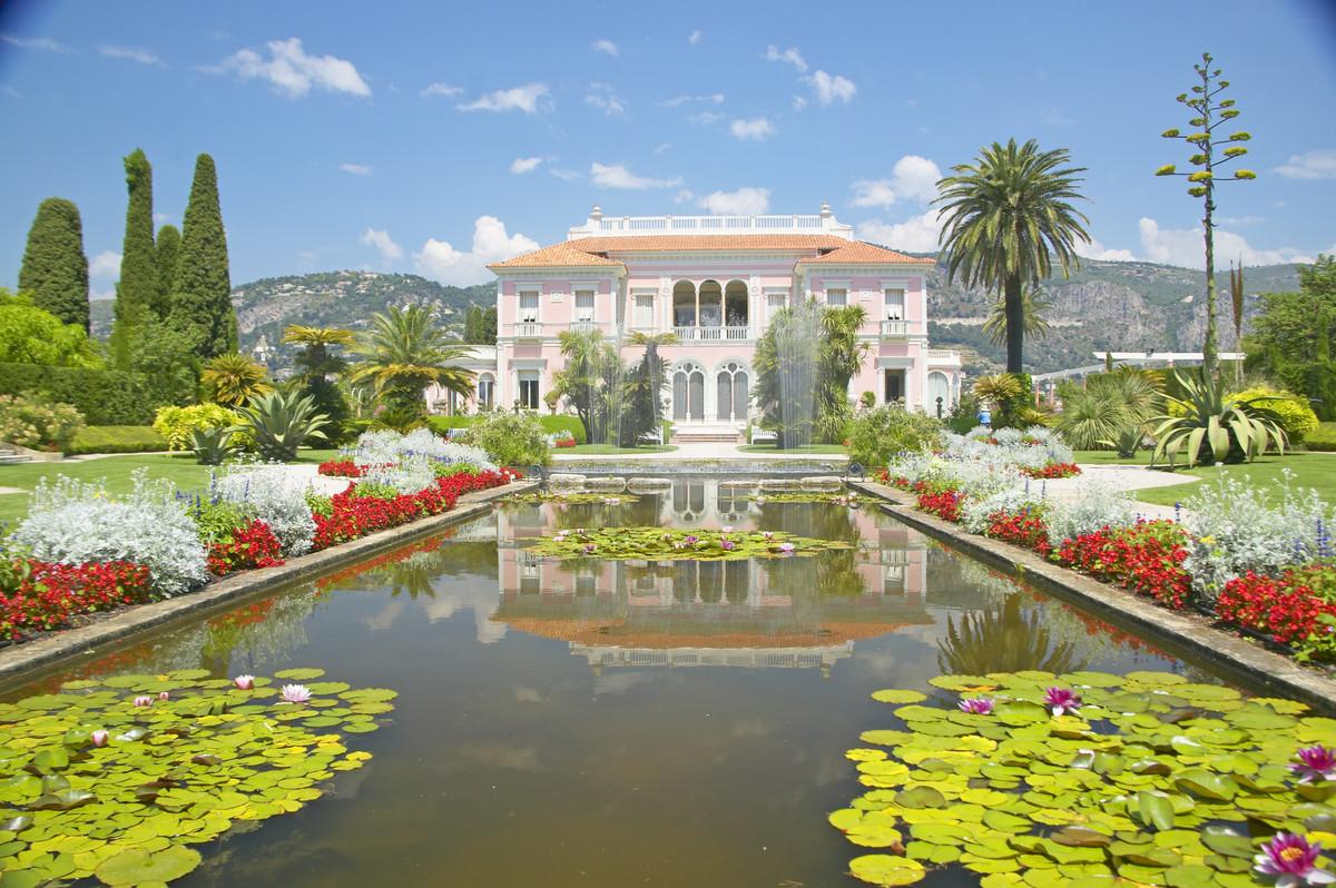 photos 10 magnifiques jardins fran ais d couvrir l 39 occasion des rendez vous aux jardins. Black Bedroom Furniture Sets. Home Design Ideas