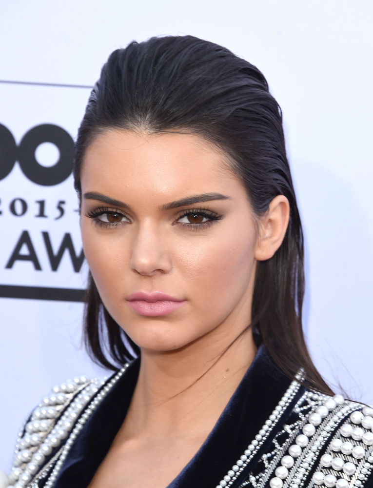 how to achieve slicked back hair girl